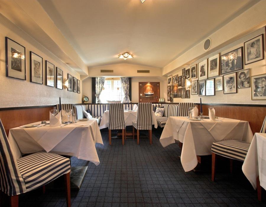 restaurants unter deck alster charme im hotel bellevue hamburg. Black Bedroom Furniture Sets. Home Design Ideas